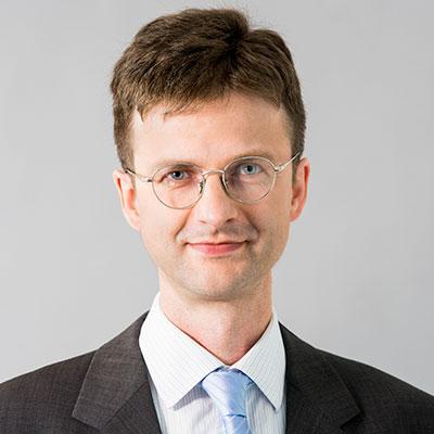 Dr. Uwe Raabe
